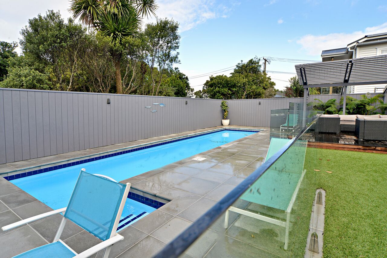 pool fence glazier auckland