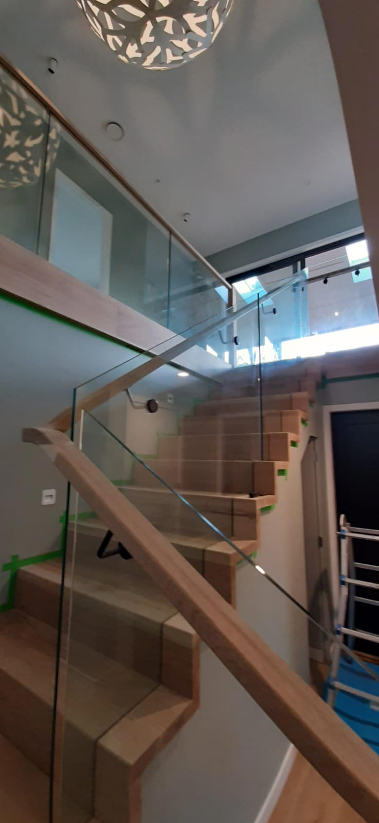 glass-balustrade-Balustrade-recessed-glass