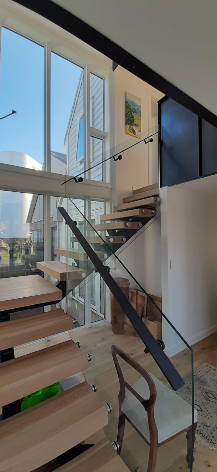 glass-balustrades-Double-Disc-Floating-Stairs